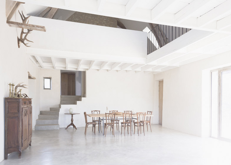 Old_farmhouse_conversion_in_by_SEPTEMBRE_dezeen_784_6