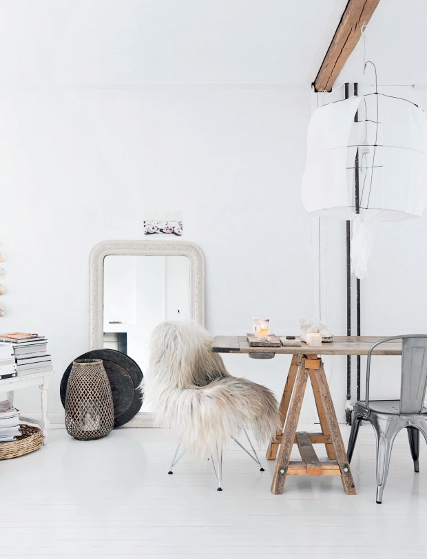 lina kay appartement table