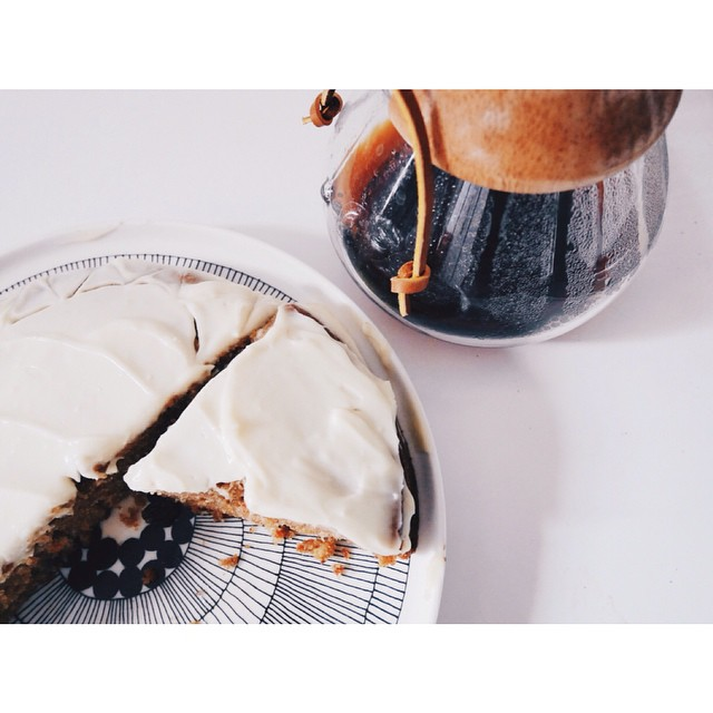Le carrot cake de @marlettecake et un bon café avec ma chemex ? #chemex #carrotcake #cafe