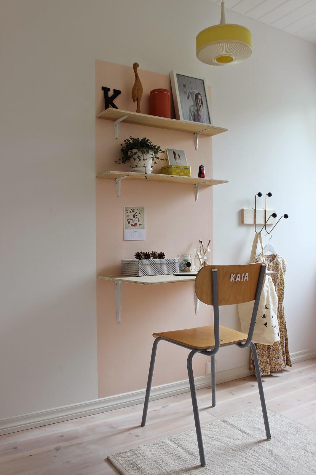 diy un bureau peu cher lili in wonderland. Black Bedroom Furniture Sets. Home Design Ideas