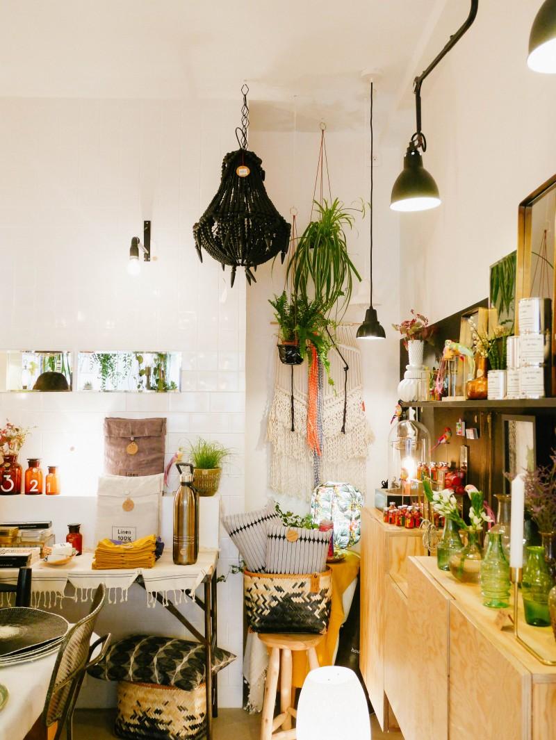 maison aimable lili in wonderland. Black Bedroom Furniture Sets. Home Design Ideas
