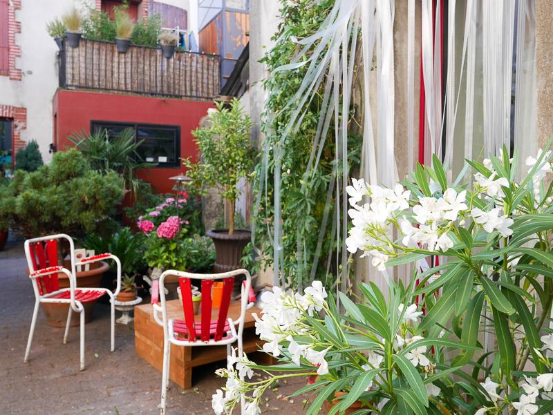 balade trentemoult lili in wonderland. Black Bedroom Furniture Sets. Home Design Ideas