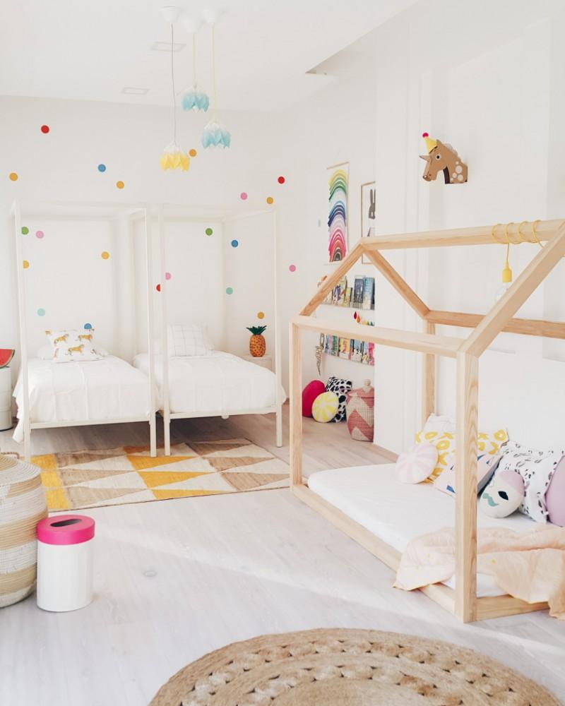 chambre partag e lili in wonderland. Black Bedroom Furniture Sets. Home Design Ideas