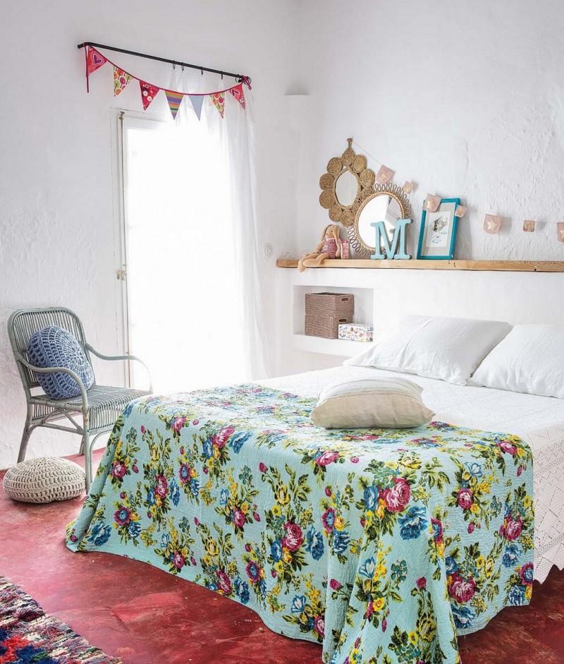 chambre-fille-maison-mer-vanaces-fanions-fleuri-liliinwonderland