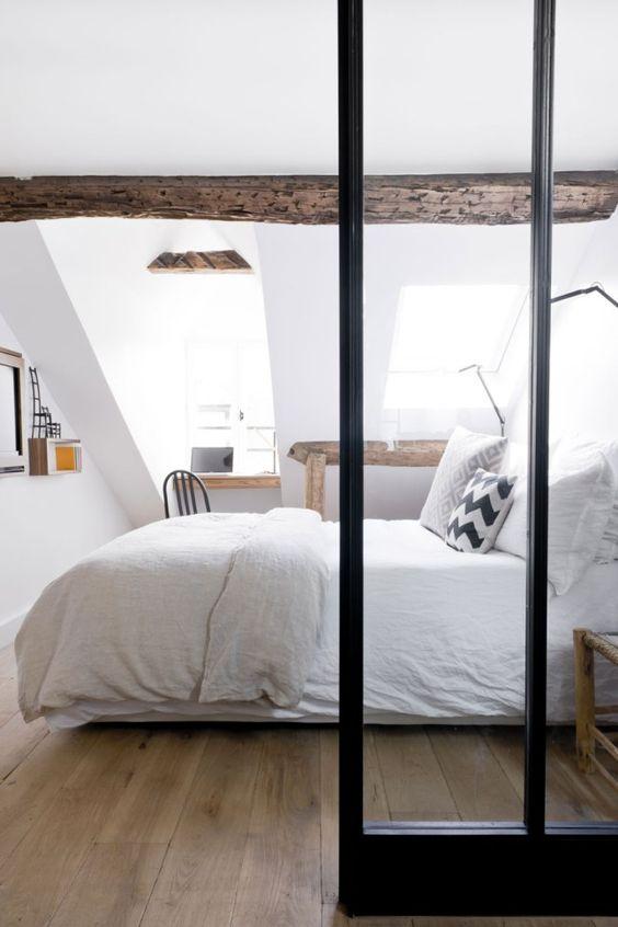 chambre-a-coucher-meuble-suedois-meubles-scandinaves-combles-bois-verriere-lili-in-wonderland
