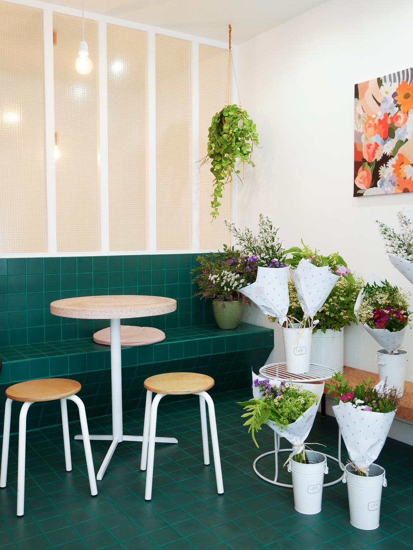 peonies cafe fleurs paris