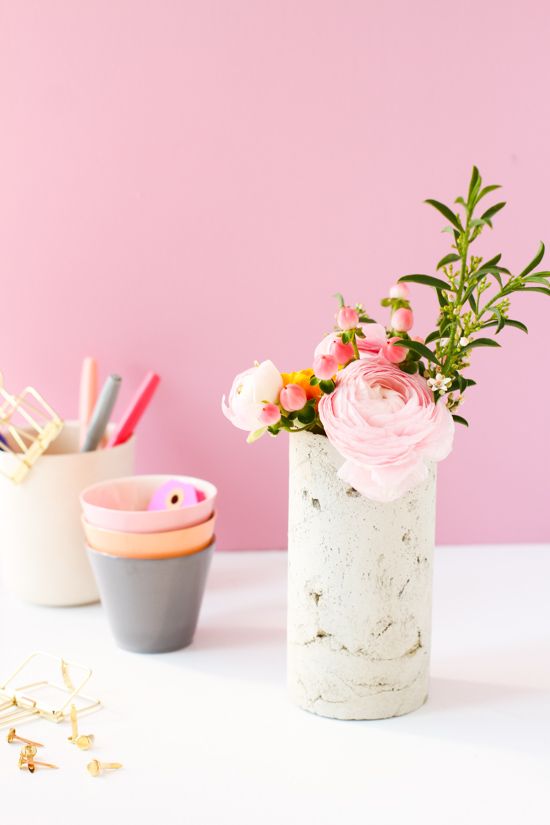 concrete-flower-vase-diy-pink-background-5