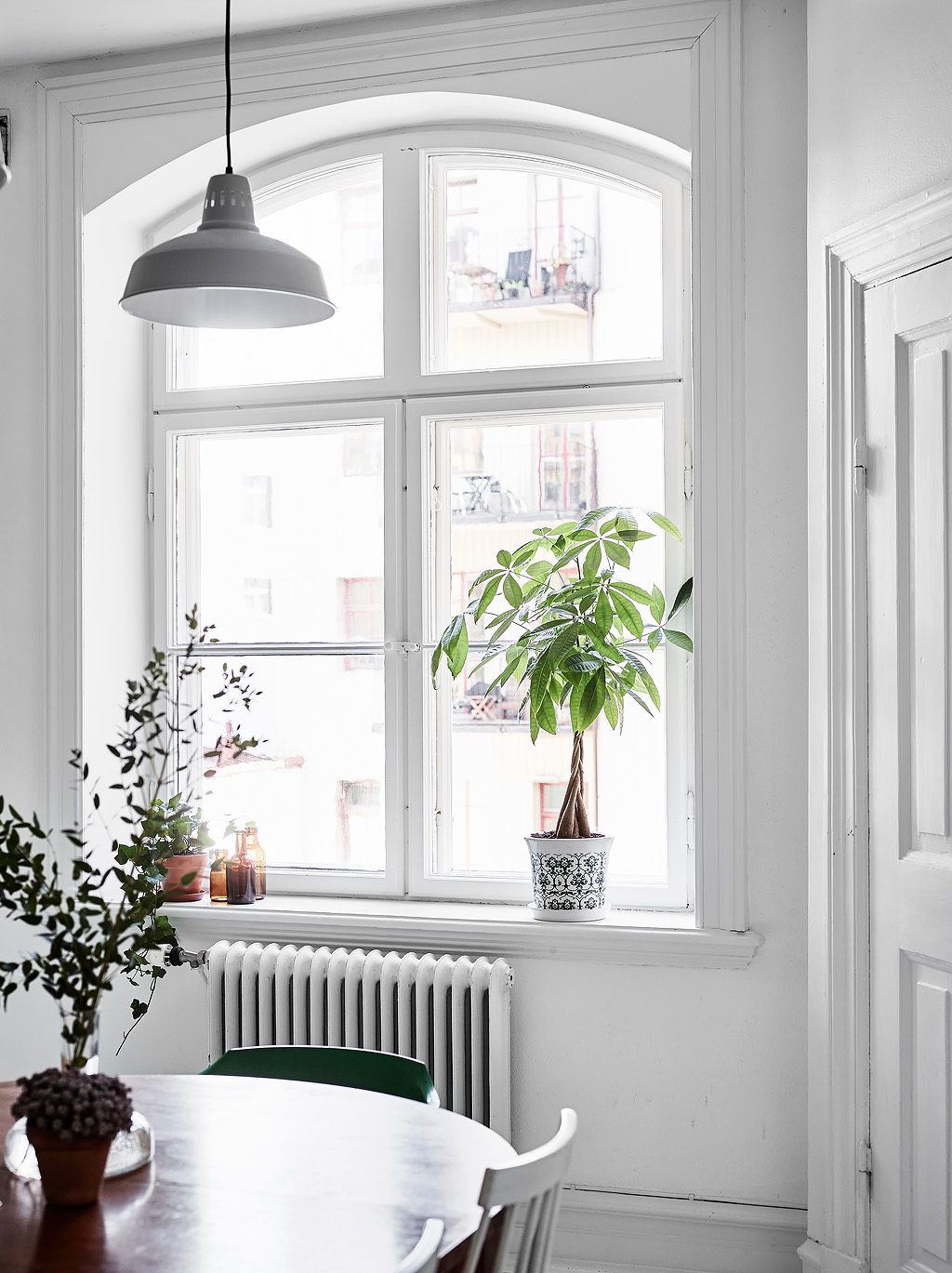 un appartement lumineux aux touches vintages lili in. Black Bedroom Furniture Sets. Home Design Ideas