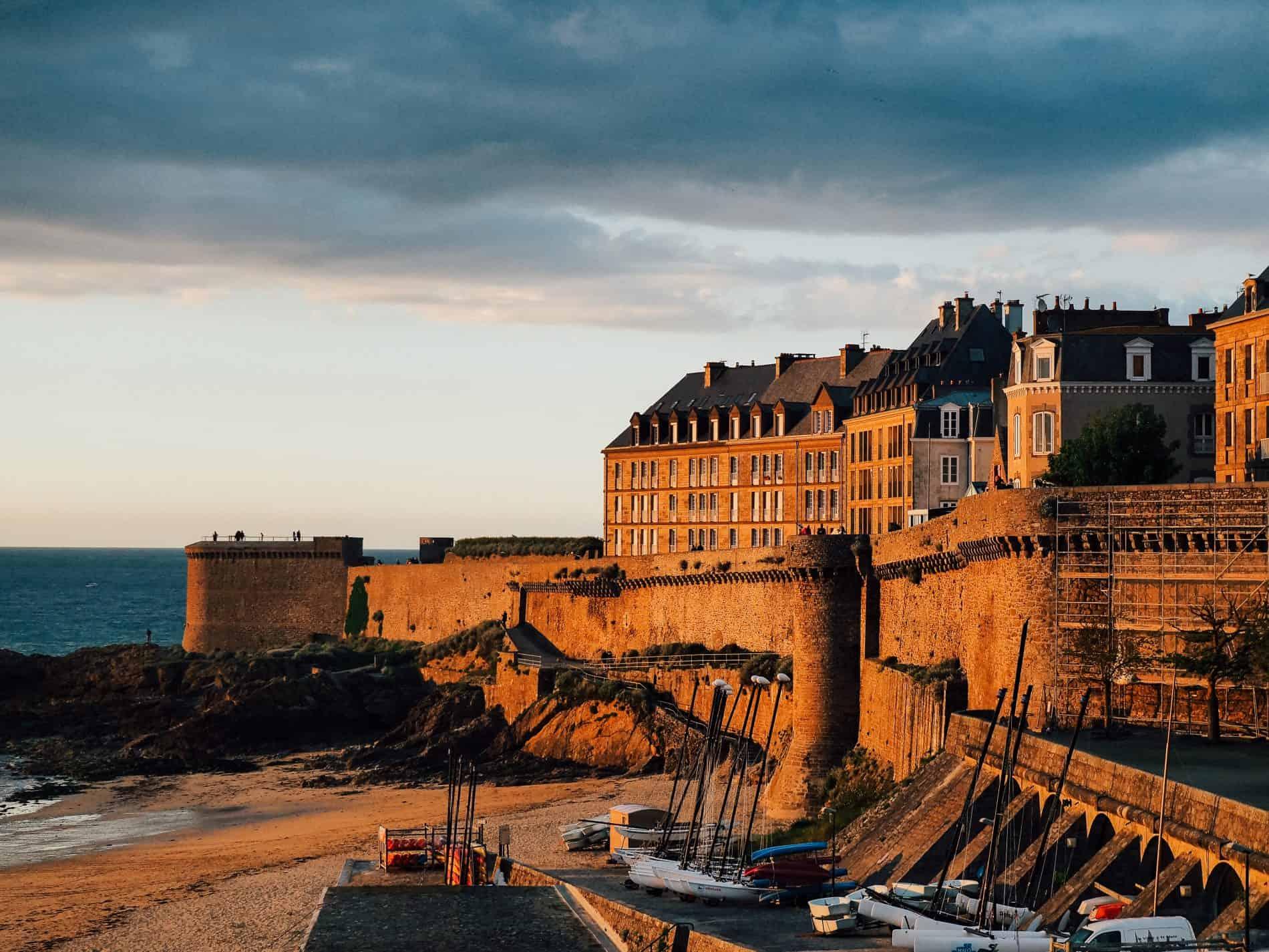 Saint-Malo Bretagne cityguide bonnes adresses remparts coucher de soleil blog lifestyle doc voyage lili in wonderland