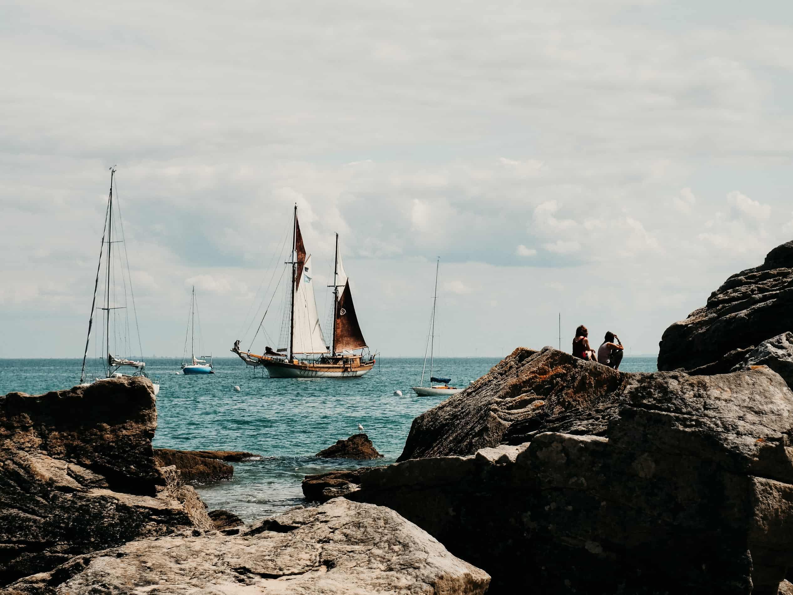 idées escapades france Nantes Noirmoutier rochers bateau
