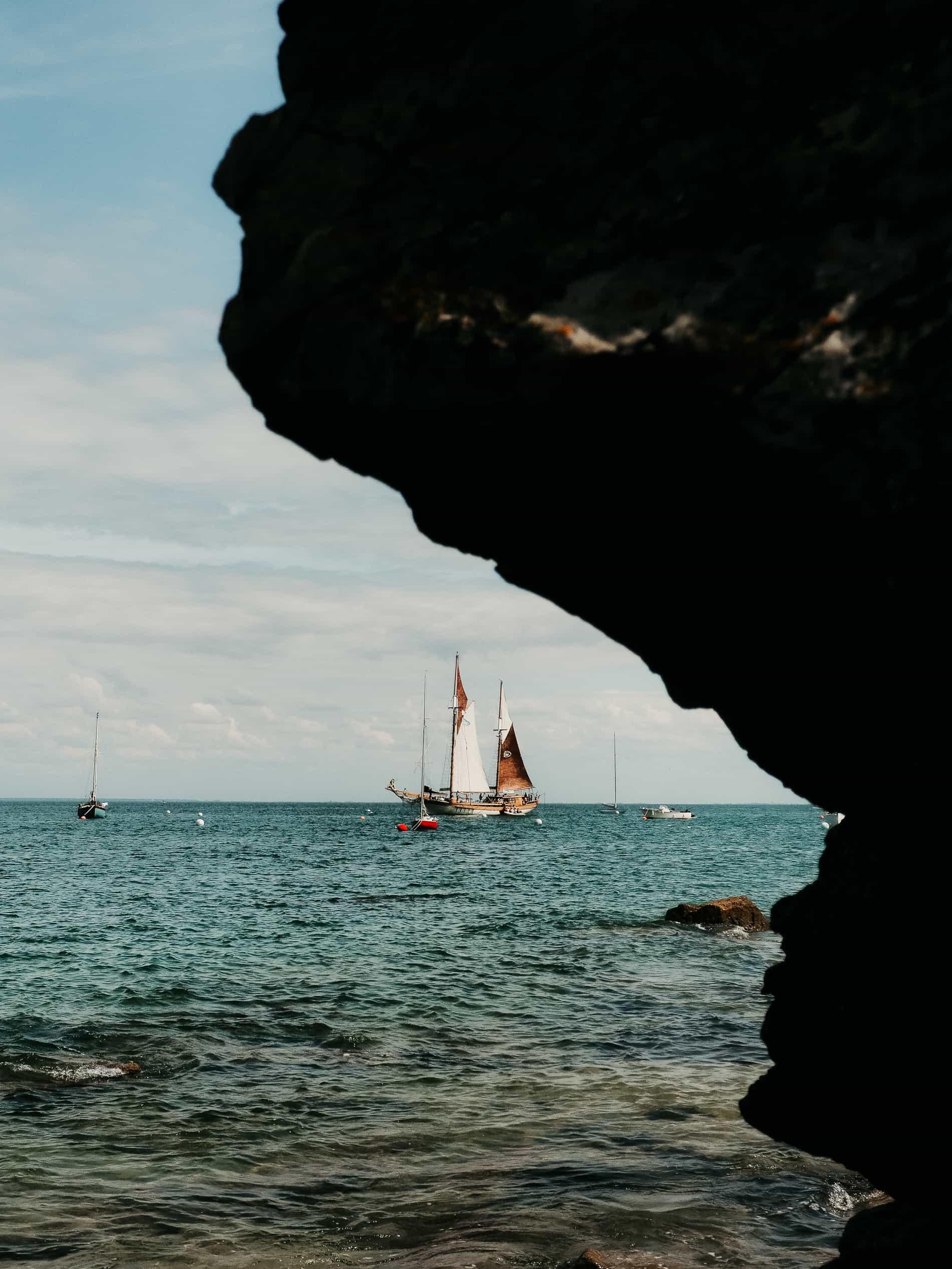 idées escapades france Nantes Noirmoutier rocher bateau