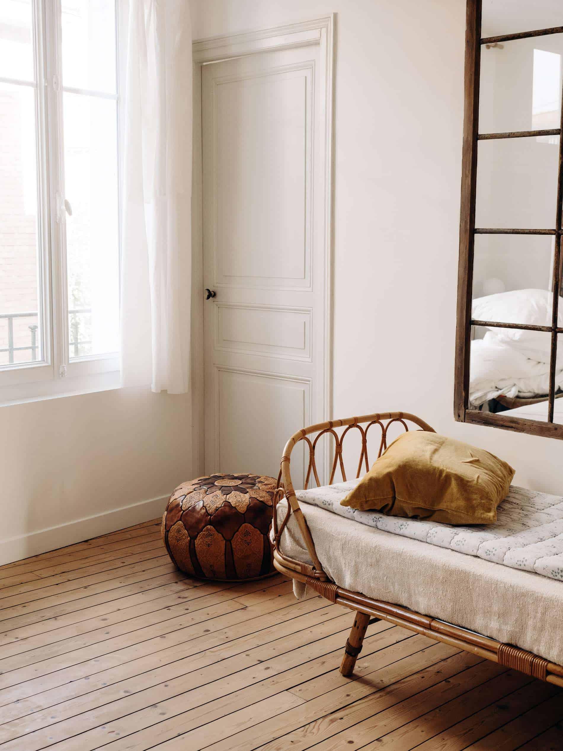Les Pénates Reims appartement guesthouse vintage daybed