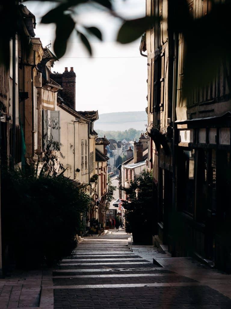 visiter Joigny Yonne Bourgogne centre ville week-end France