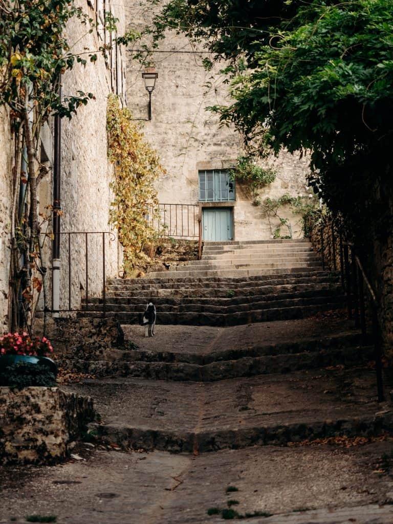 visiter Vezelay Yonne Bourgogne week-end France ruelle