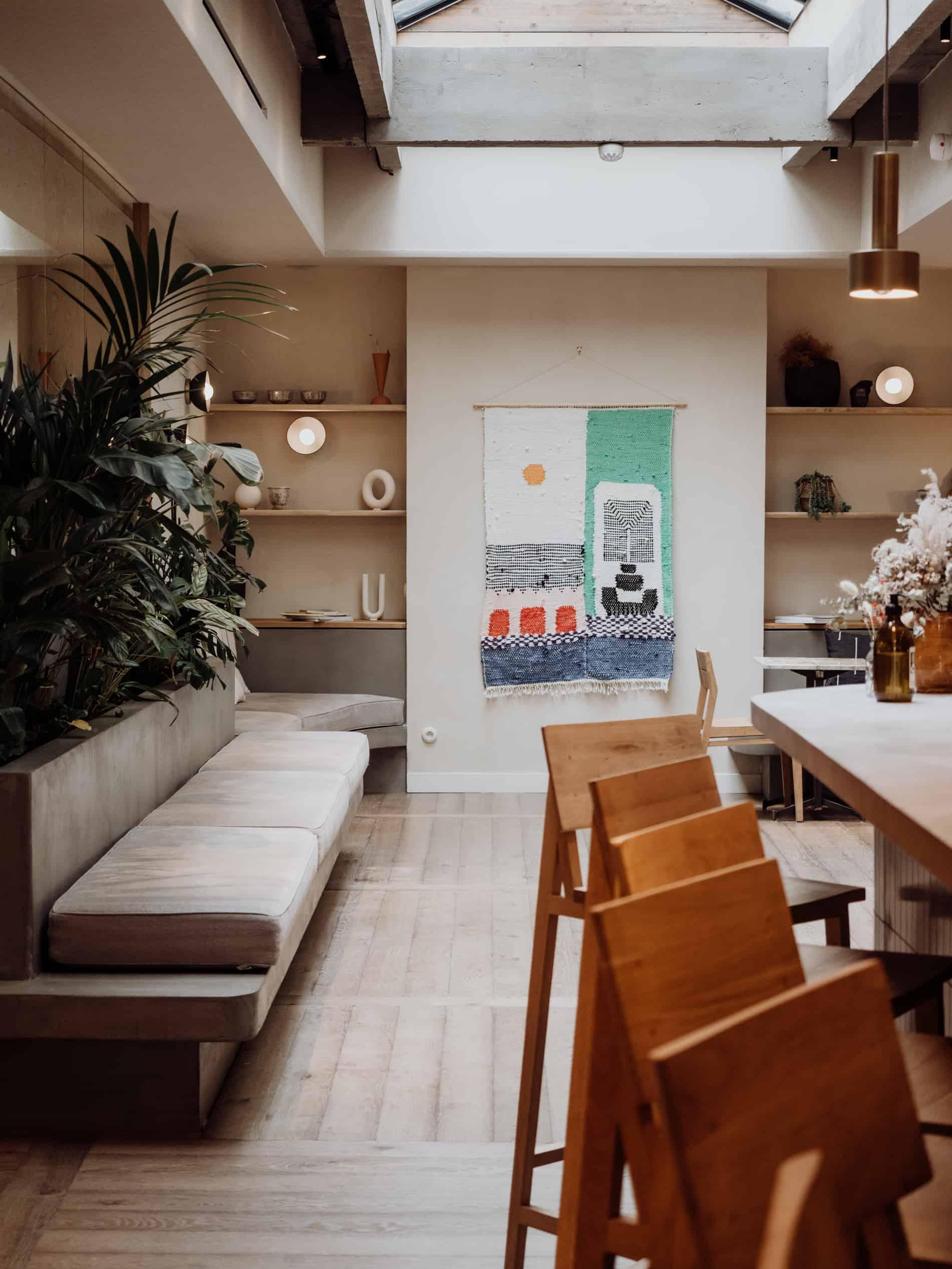 Hoy Paris hotel yoga mesa restaurant vegan