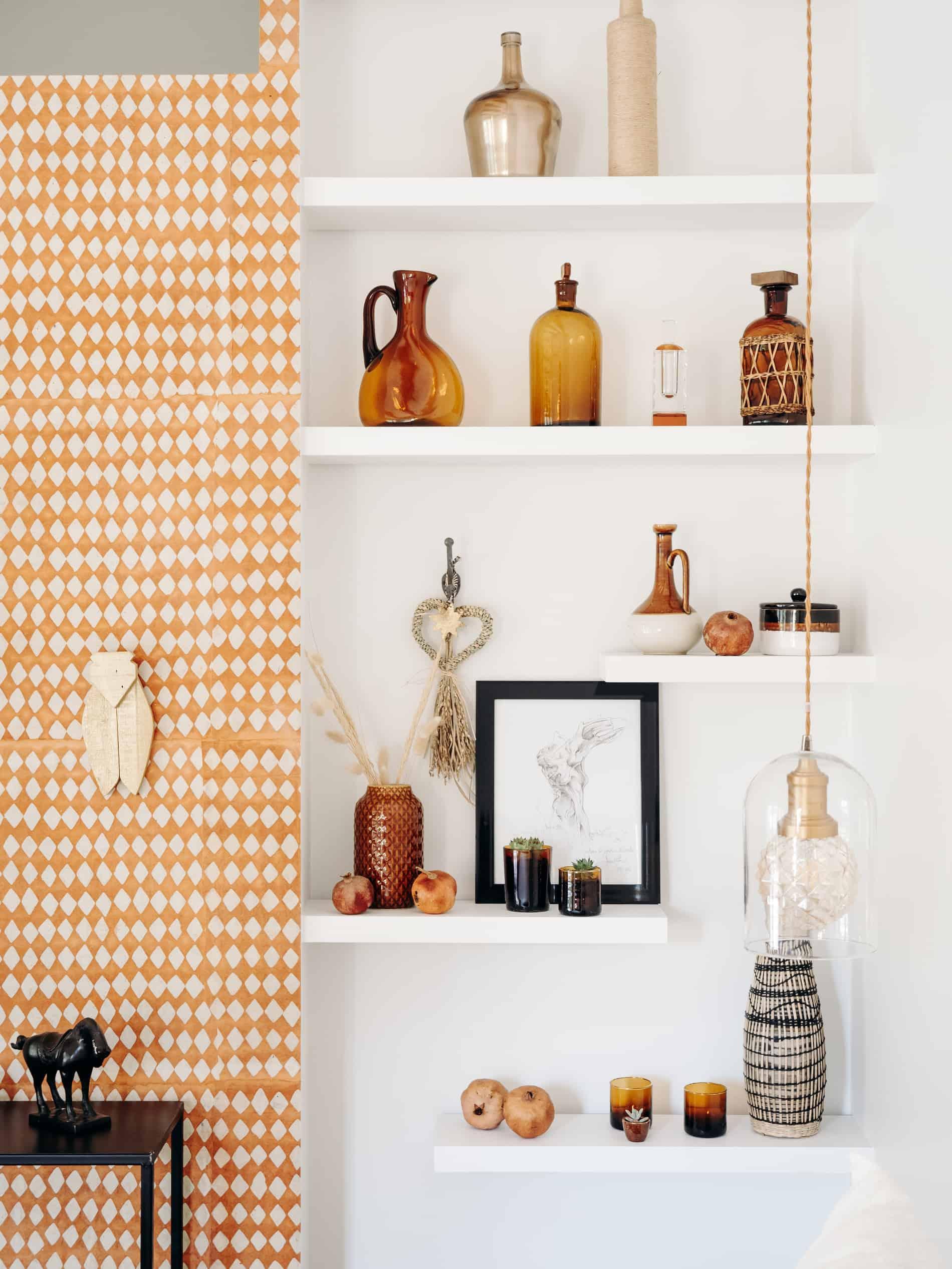 étagère déco chambre maison d'hôtes Alpilles Provence la Roussatino