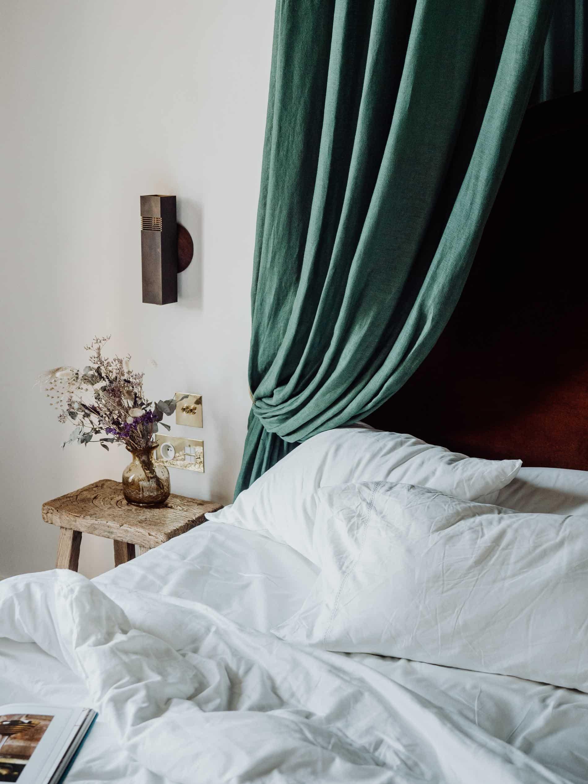hôtel des Grands Boulevards paris chambre lit